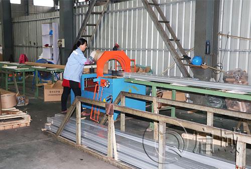 工业铝型材镀膜